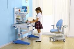 H1蓝色书桌